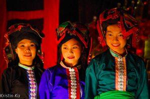 Defilé, femmes, Luang Prabang, Laos