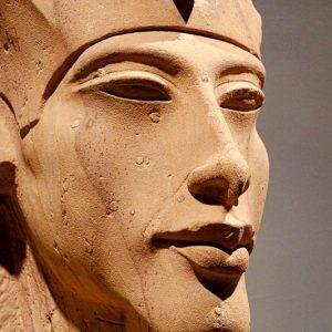 Akhenaton, Louxor
