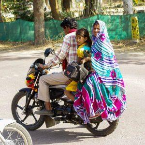Scooter, famille, Khadjuraho, Inde