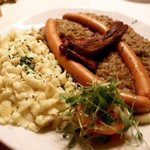 Spätzle, saucisse et lentille, Allemagne